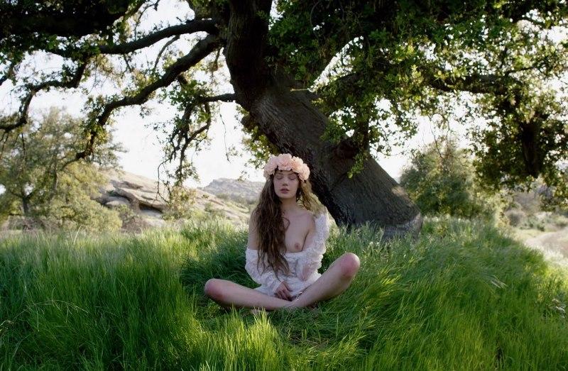 [BareMaidens.com] 2018-06-15 ElenKa - The Hills (Elena Koshka) [Posing, Dancing, 1080p]