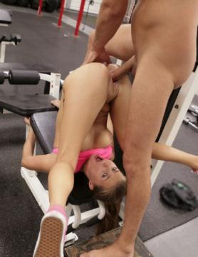 Carolina Sweets - Fitness Fuckers (2017) FullHD 1080p