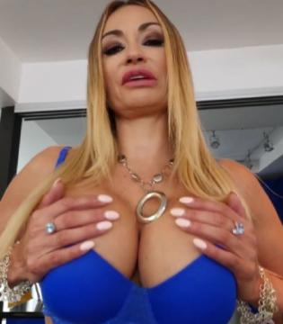 Claudia Valentine - Rides A Cock (2018) FullHD 1080p