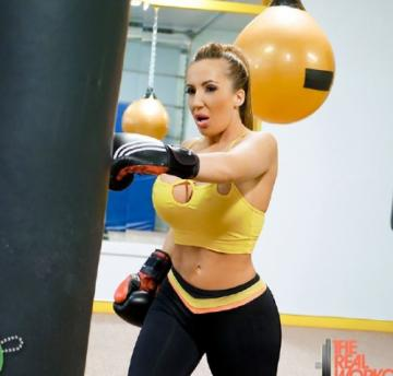 Ricelle Ryan - Busty Babe Goes Boxing (2018) FullHD 1080p